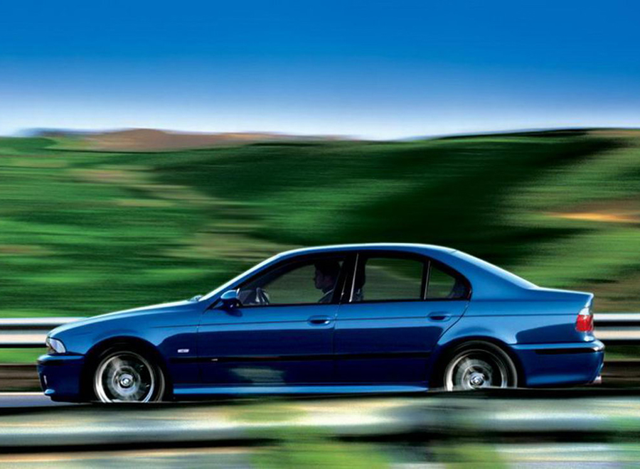 bmw_E39M5_background